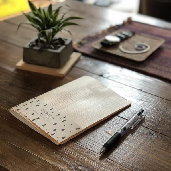 新製品「木製中とじノート」をリリースしました